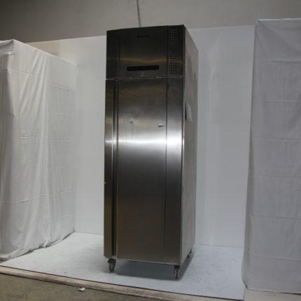 Kühlschrank 53